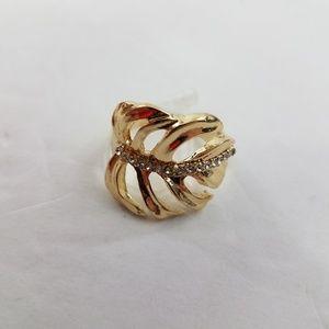 Leaf Ring Size 9 Gold Tone Rhinestone Palm Tropica